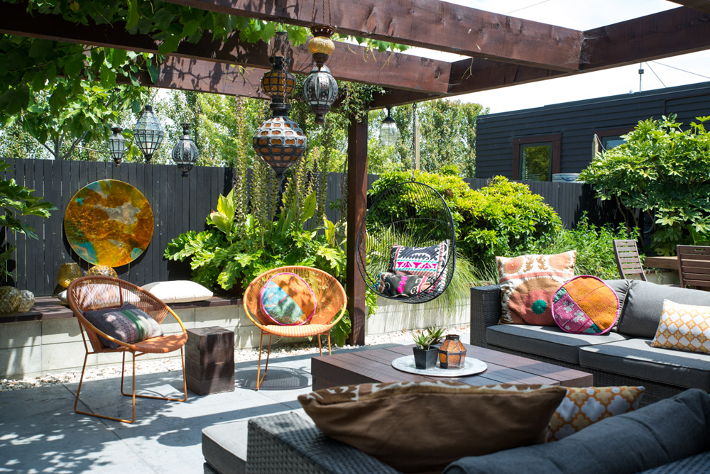 Rae West's outdoor room - photo by Sarah Horn for Your Home & Garden
