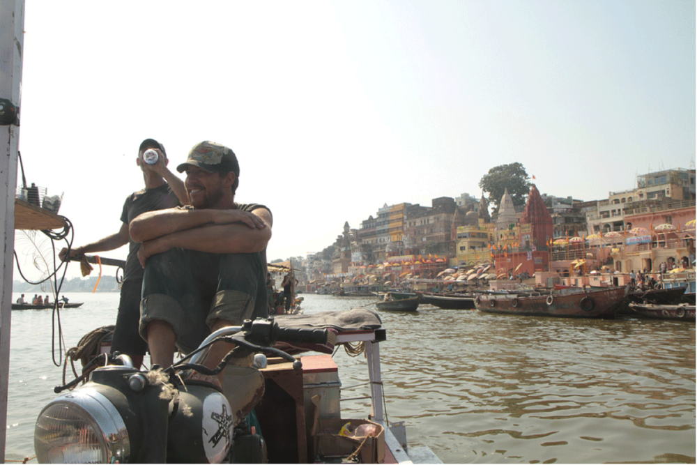 Approaching Varanassi, Indi