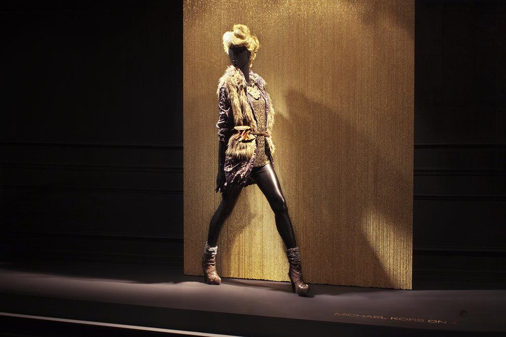 katezander.com_propstyling_projectmanager_windowdisplay_lord&taylor_fashionsnightout_jasonmickle3.jpg