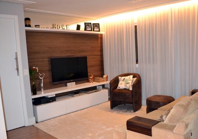 Mais do que uma sala bonita, um lar aconchegante! Forro de gesso com cortineiro luminoso, e com fita de led, super fácil de trocar!