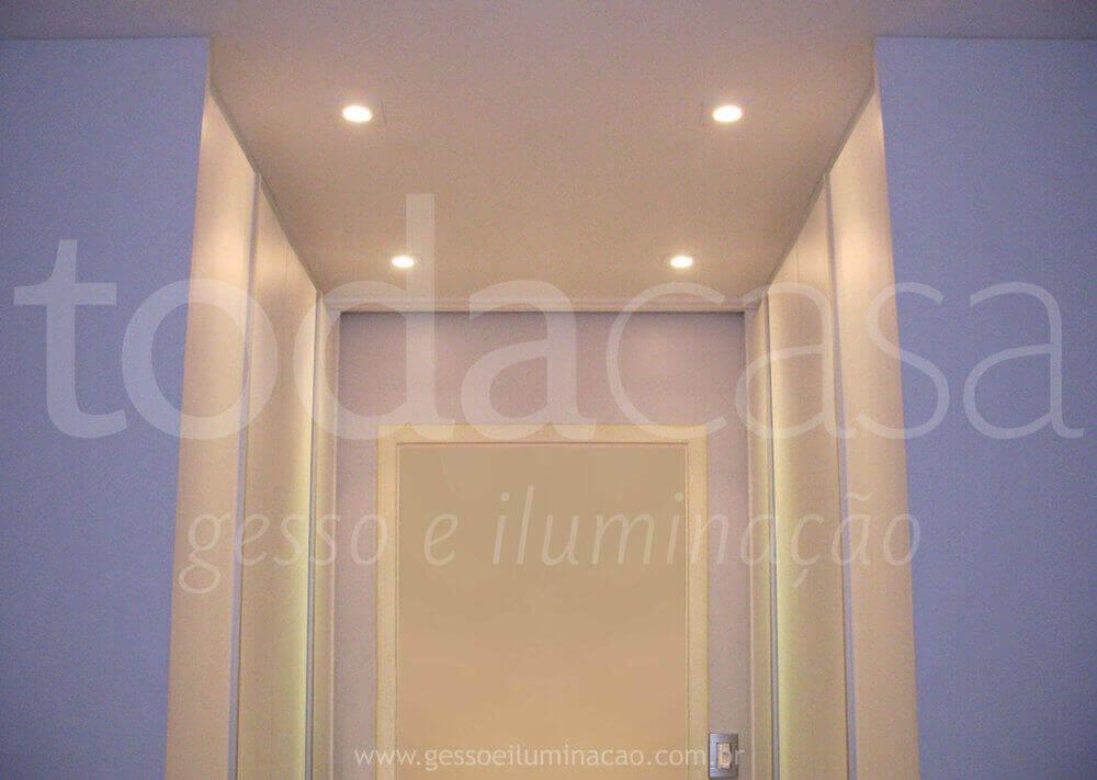 forro-de-gesso-iluminacao-no-closet-com-spots-em-led.jpg