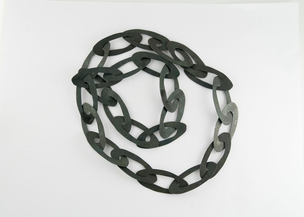 oval chain.jpg