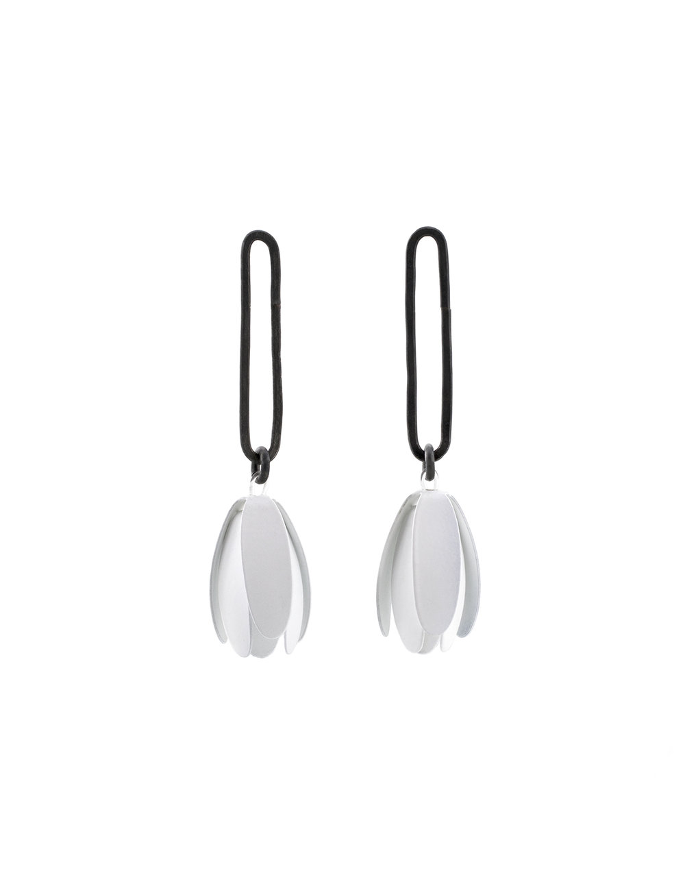 09_maia_leppo_white_trumpet_flower_earrings.jpg