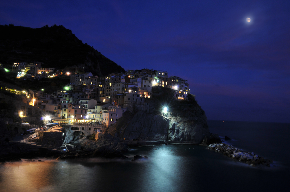Manarola Bay Night.jpg