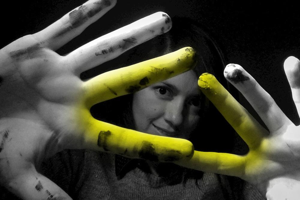 Yo yellow triangle 2.jpg