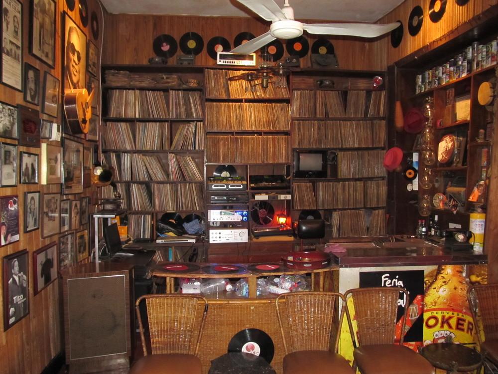 Casa Latina ofrece todos los sábados sesiones con distintos artistas repasando su discografía.