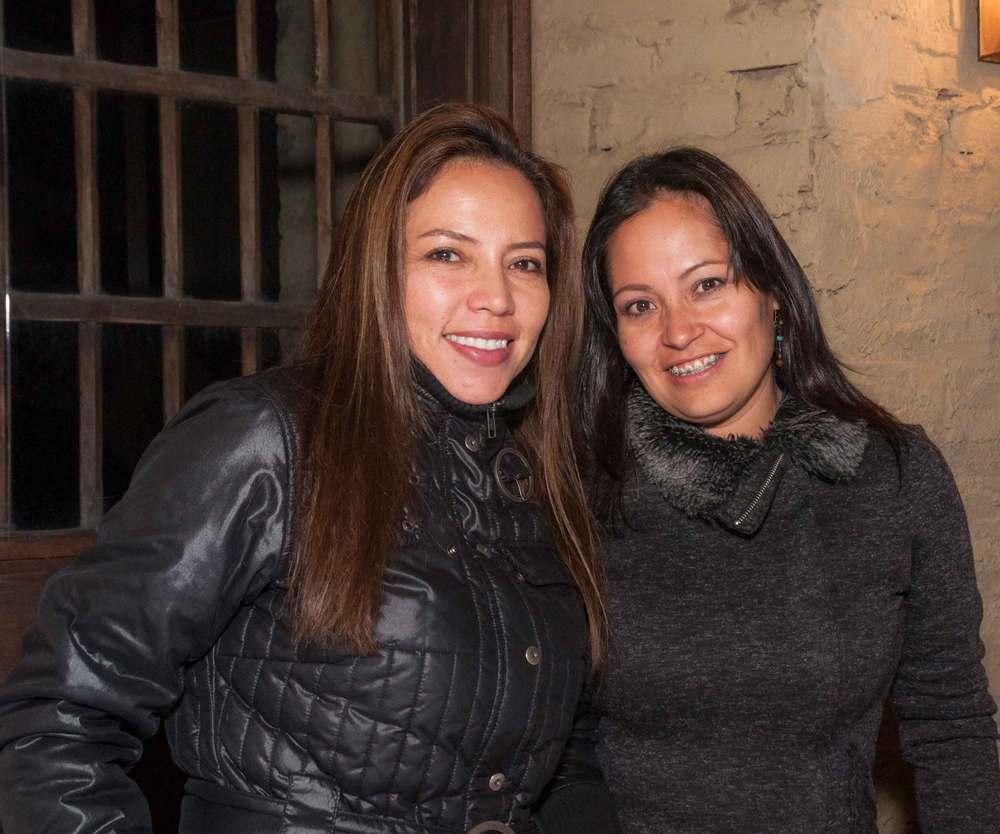 Viviana Ríos y  María González