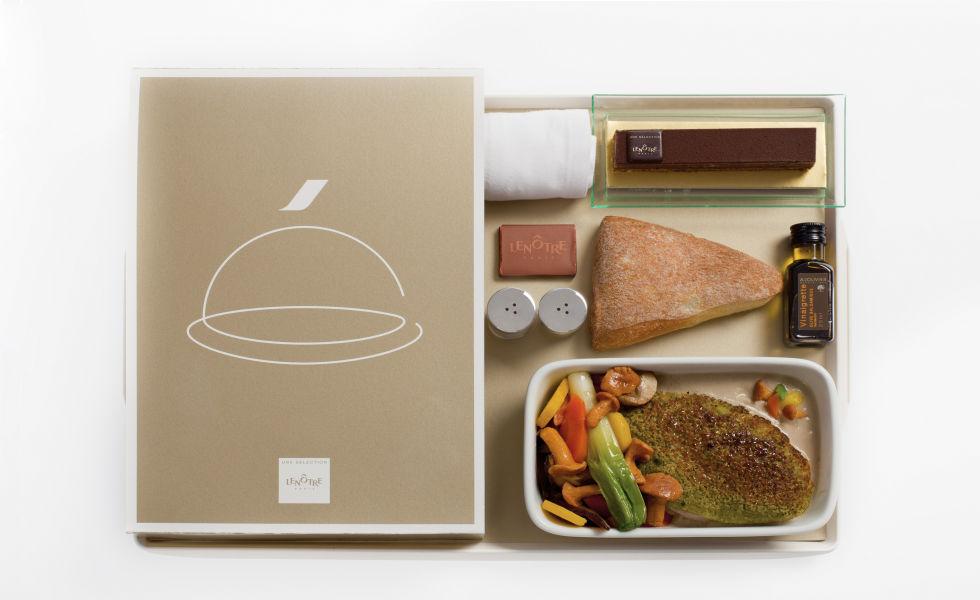 En Air France se unen la buena mesa y el exquisito sentido estético de los galos.
