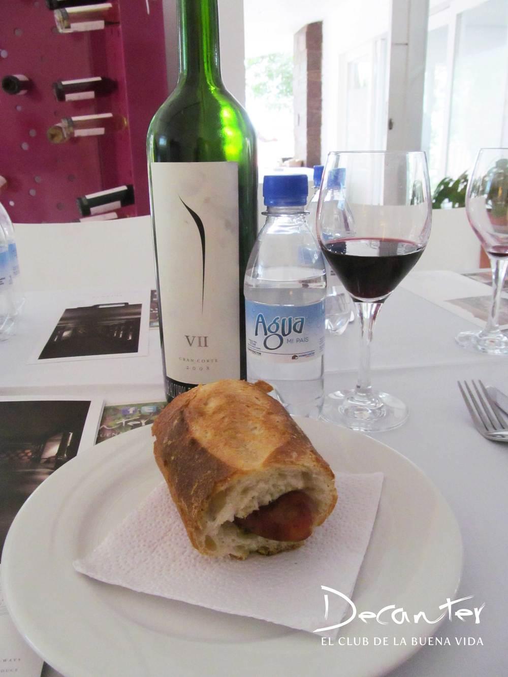 El Gran Corte, uno de los grandes vinos de Pulenta, fue uno de los vinos que acompañaron la reunión.