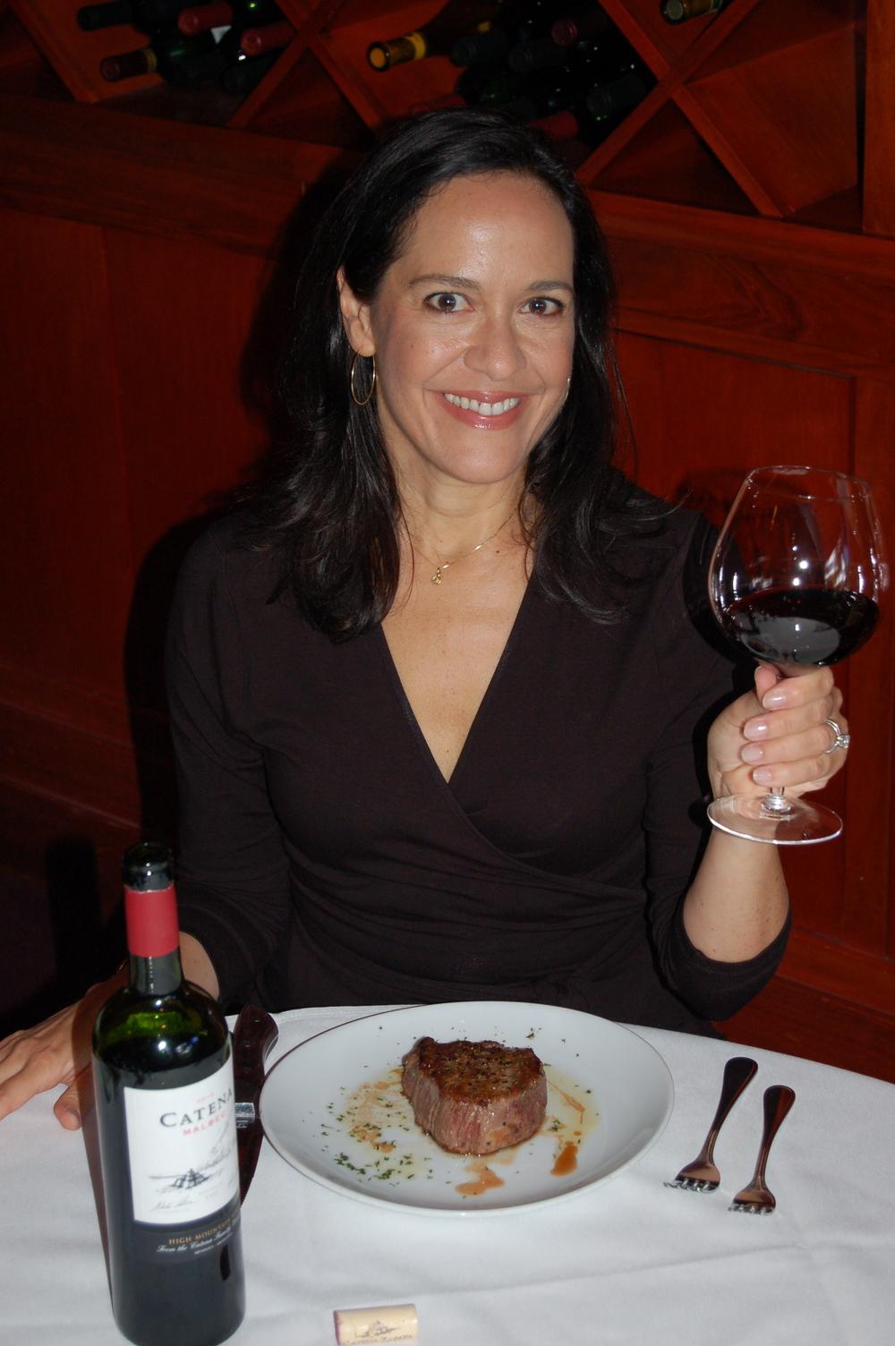 Pamela C. Pajuelo es la Señorita Vino, bloguera latina en Estados Unidos.