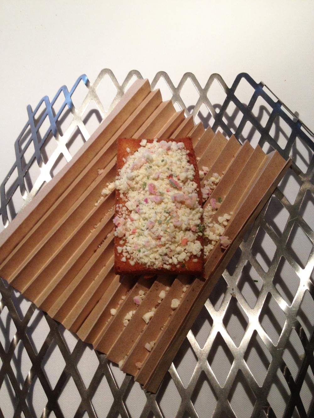 Al fin tierra, el momento de La integración, que se abre con este pan con chimbombo.