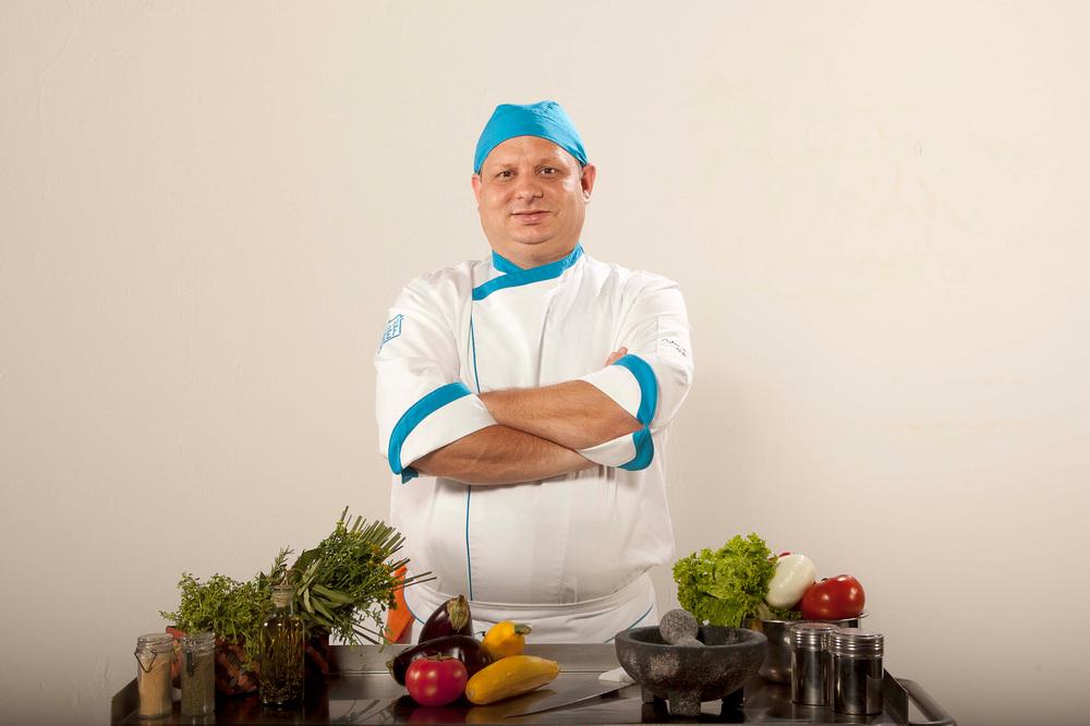 Chef suizo radicado en ColombiaSimón Karl Bühler, de quien incluimos la receta de helado de aguacate.