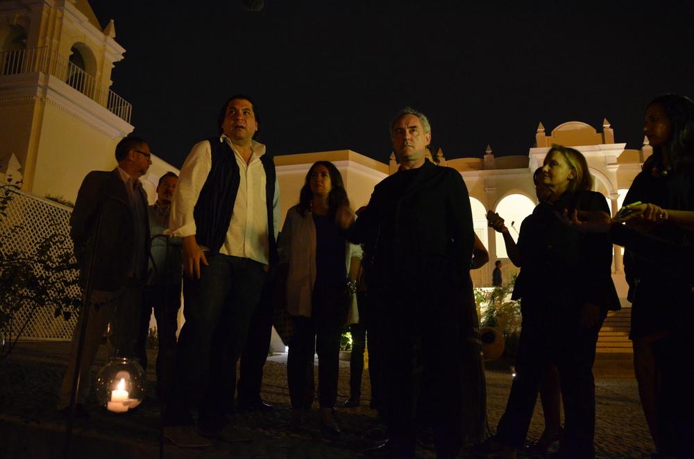 Gastón Acurio en compañía de Ferran Adrià el día que se sirvió por primera vez el menú degustación Virú, de la nueva sede de Astrid & Gastón Casa Moreyra en Lima.