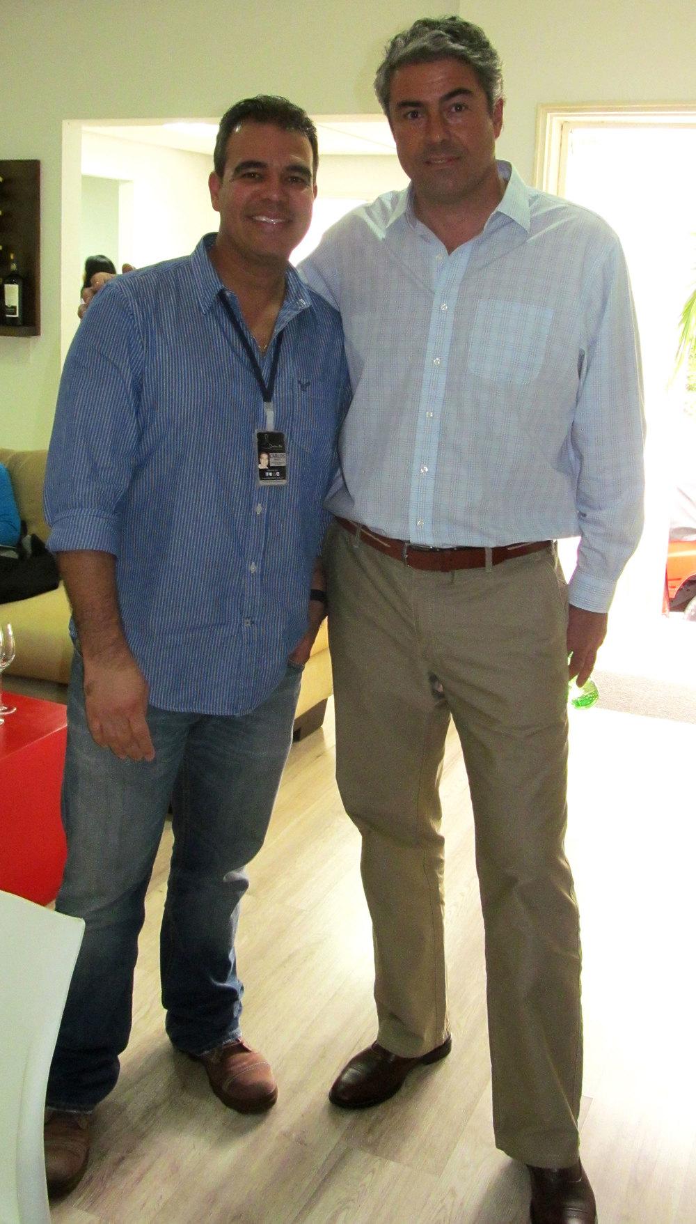 Carlos Abad, gerente de Mercadeo del Club y José Miguel Viu.