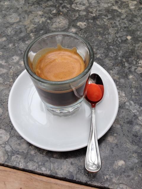 Espresso con almendras