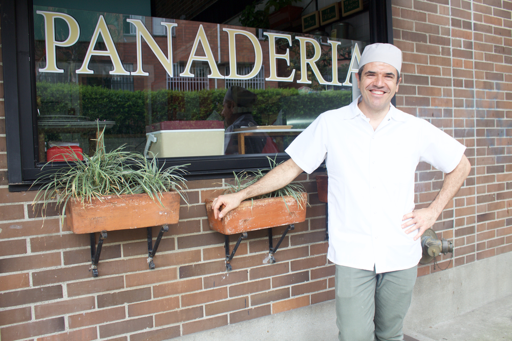 Eduardo Madrid es uno de los panaderos más populares de Medellín.