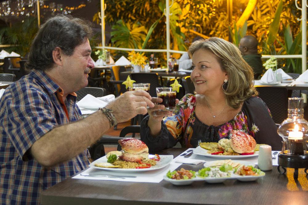 Miguel Winograd y Rossy Toledo son los propietarios de Bupos. Su clave para sostenerse en el medio es el amor y pasión que le ponen a cada uno de los platos que ofrecen.