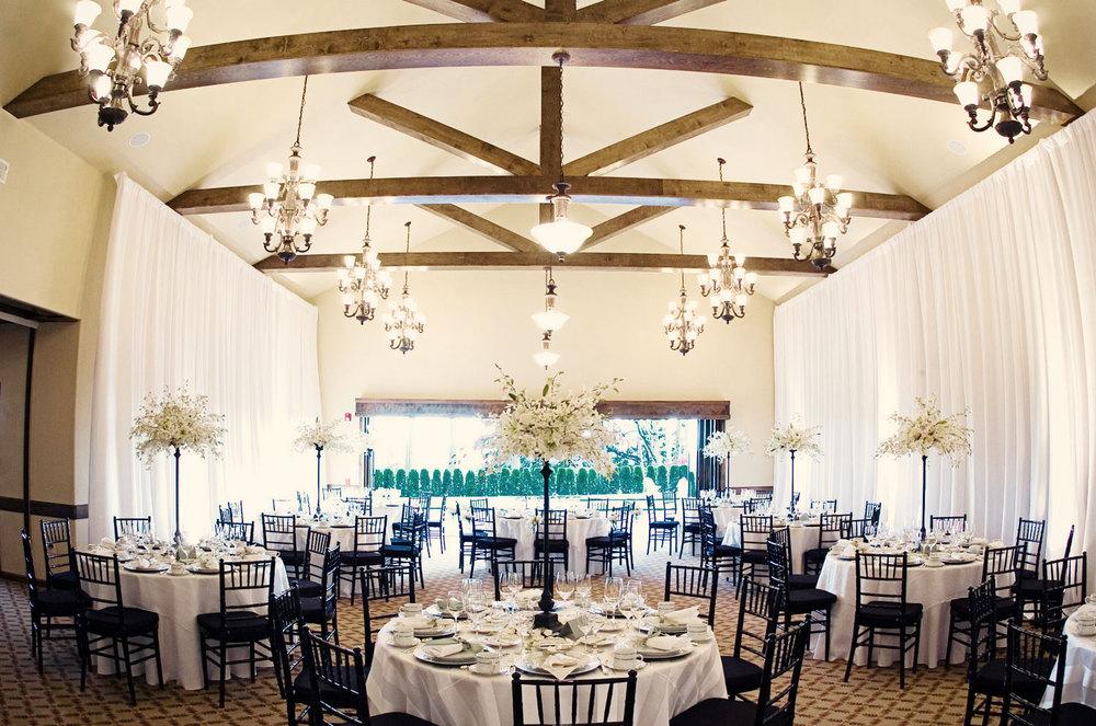 Eagle Landing Indoor and outdoor yearround wedding venues