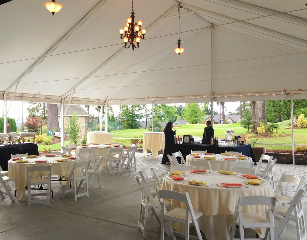 Open Tent Cocktail Hour at The Aerie at Eagle Landing - Wedding Venues Happy Valley, Oregon