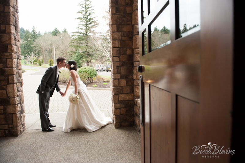 Wedding Pictures at The Aerie at Eagle Landing - Wedding Venues Happy Valley, Oregon