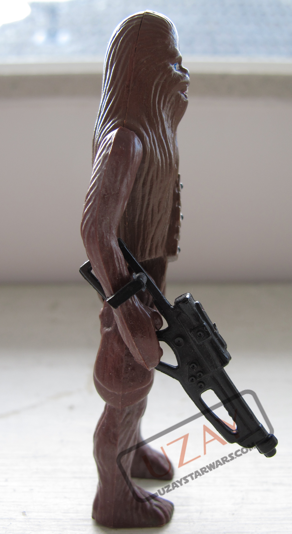 Chewie_R_Side.jpg