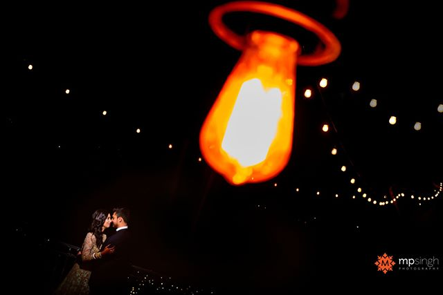 Be my light... The newlyweds @ankitaiyer & @sirjgoswami at their reception. #readysetgoswami  #mpsinghphototraphy @bobs_weddings . @djl0veofficial @bridgesgolfsanramon #reception #bayareaweddingphotographer #hinduwedding #indianwedding #nikonusa #nikonlove #madewithmagmod