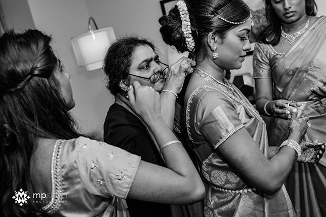 Attention to details... #realwedding #realmoments Getting ready session for the bride. Malini & Neel wedding at @meritageresort  #mpsinghphotography @electricKarma @nubianbeautyonline @wickedentertainment @floramorstudios raviekattaura #meritageresort #meritage #meritagewedding #indianweddingnapa #mpsinghphotography #winerywedding #nikonusa #nikonnofilter #bride #gettingready