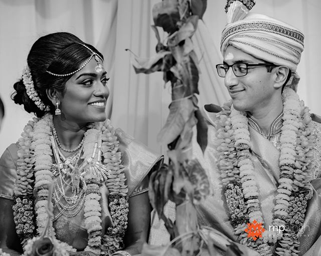 The way you look at me... #realwedding #realmoments Malini & Neel wedding at @meritageresort  #mpsinghphotography  @electricKarma @nubianbeautyonline  @wickedentertainment @floramorstudios  raviekattaura #meritageresort #meritage #meritagewedding #indianweddingnapa #mpsinghphotography #winerywedding #nikonusa #nikonnofilter  #couple #hinduwedding