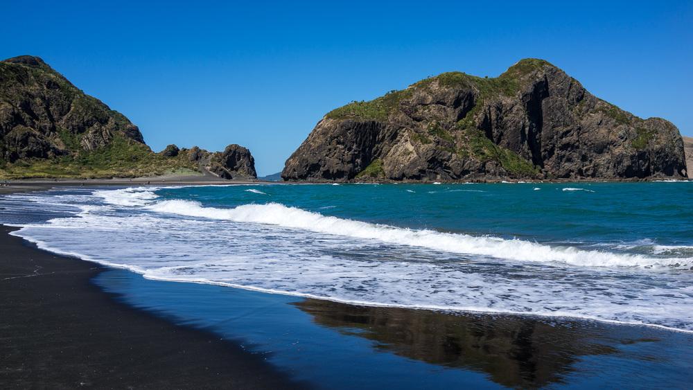 Whatipu Beach on New Zealand's north island
