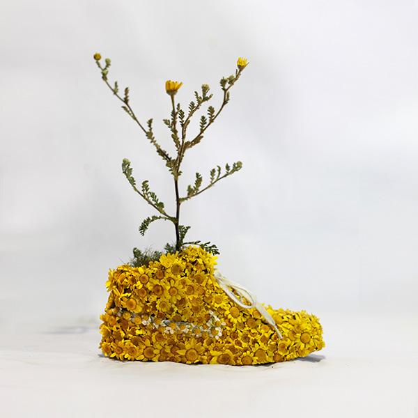 Nike_yellow_shoes_flowers_instagram.jpg