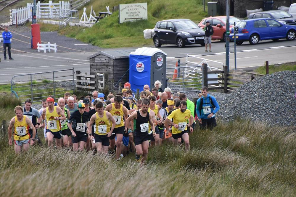 A bumper field of 66 runners tackle the Sean Craig sponosred Snaefell Race (Photo: Murray Lambden)
