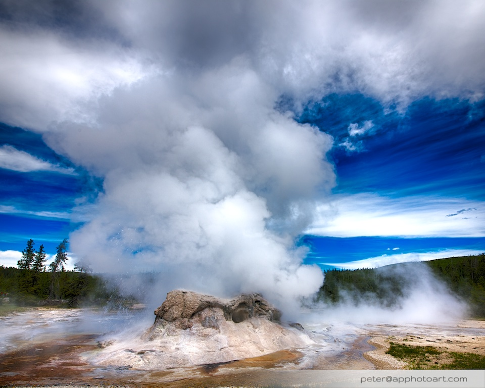Old Faithful - Grotto geyser