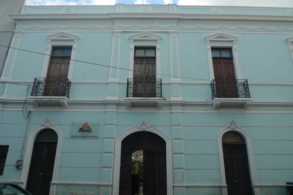 aqua facade.jpg