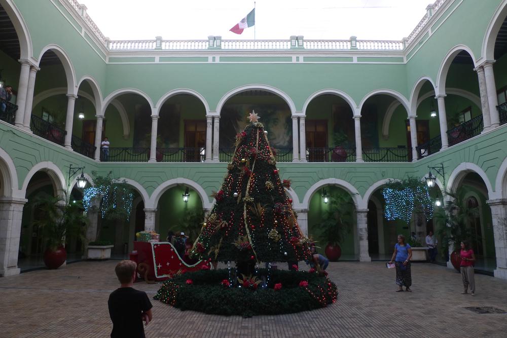 palace courtyard.jpg