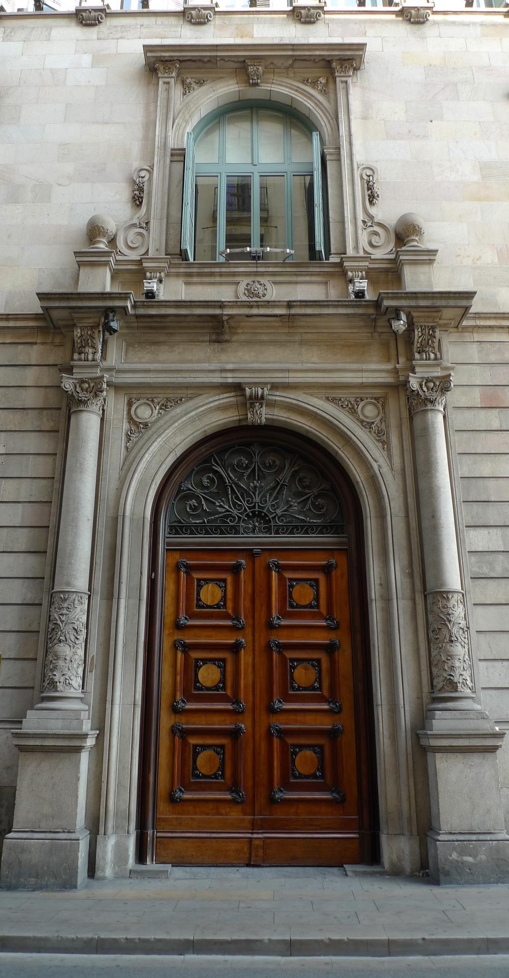 barcelona door.jpg