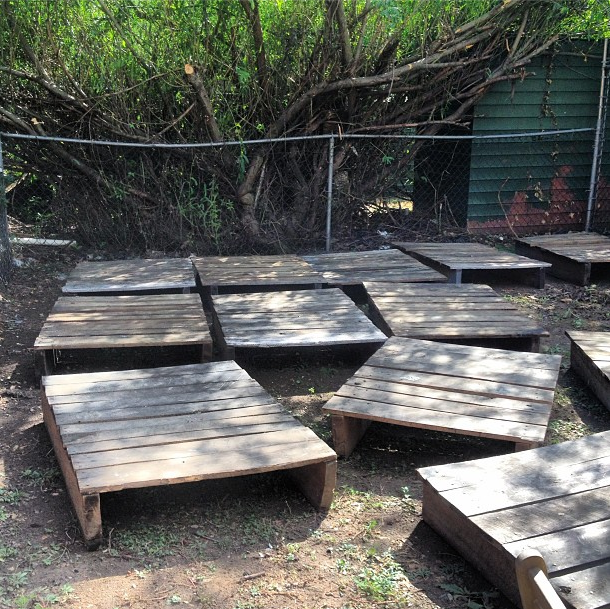 Diy Makeshift Deck From Pallets Common Bond Design