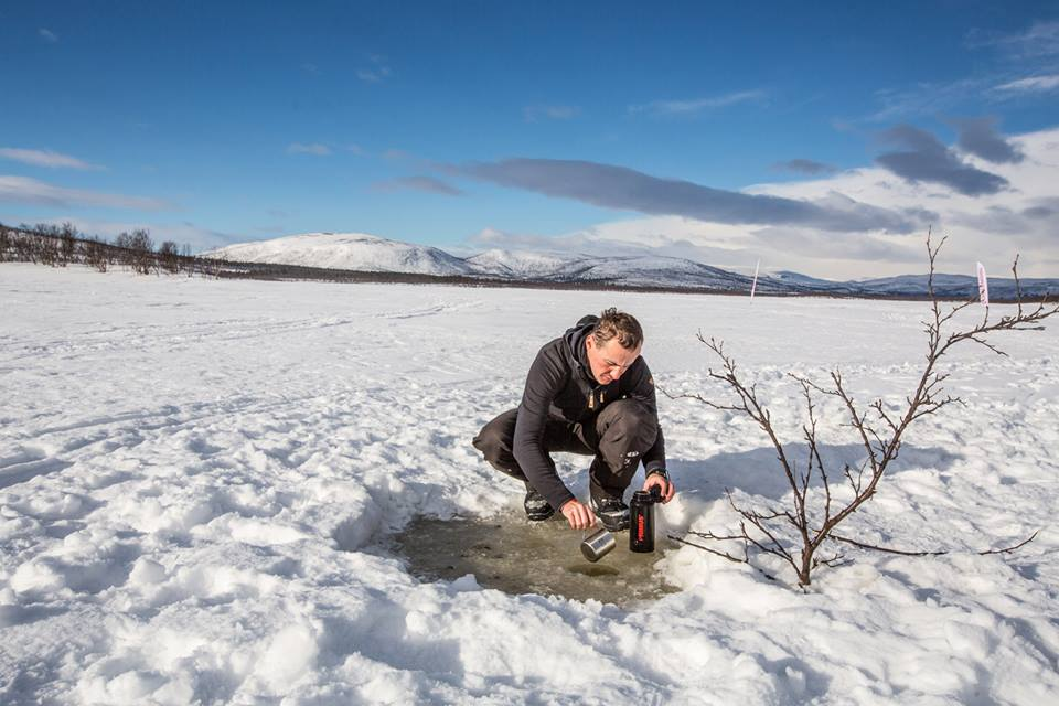 Fjällräven Polar from Slovakia Peter Holly gathers water at Lake Kattujärvi. (Photo by Peter Holly. All rights reserved.)