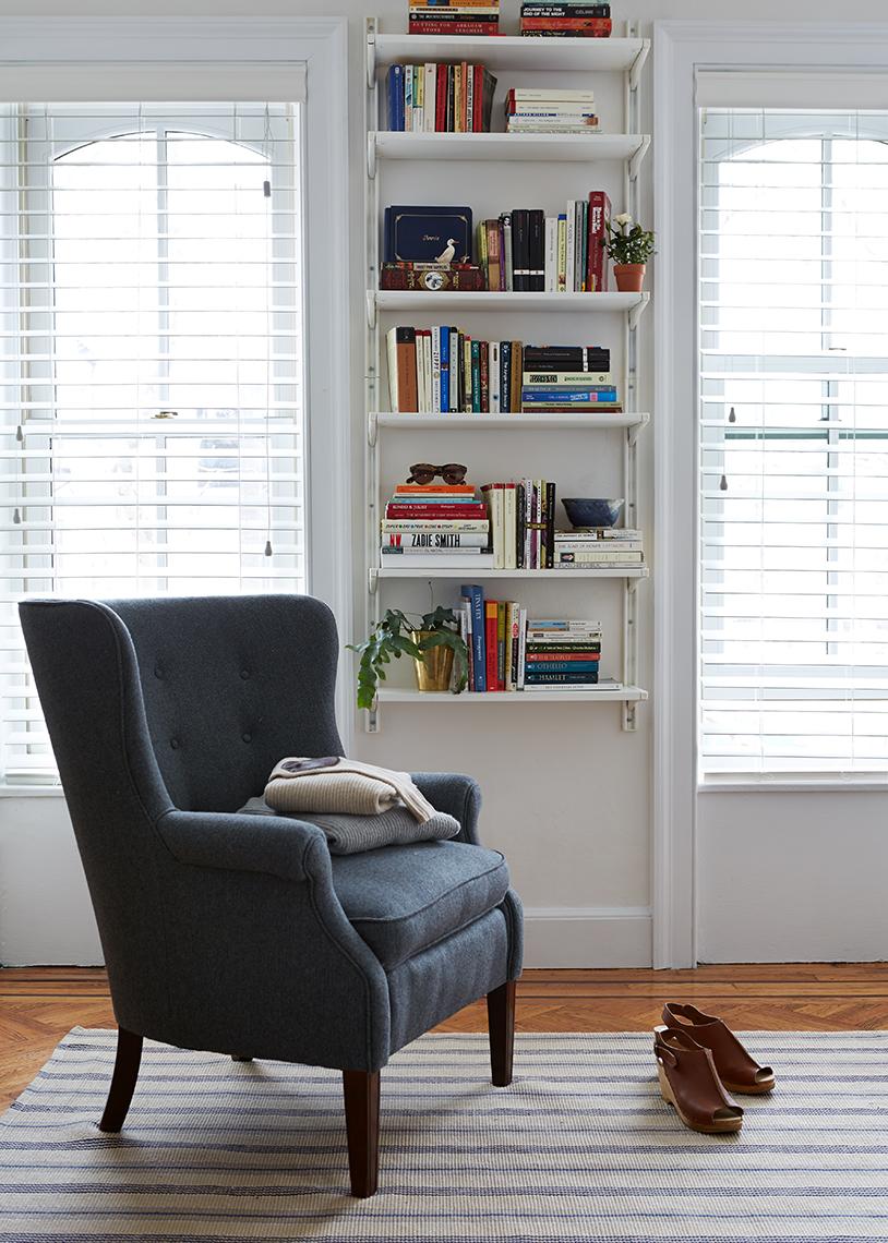 apartment a design family bookshelf home cup city york jo within of reach tour manhattan house new