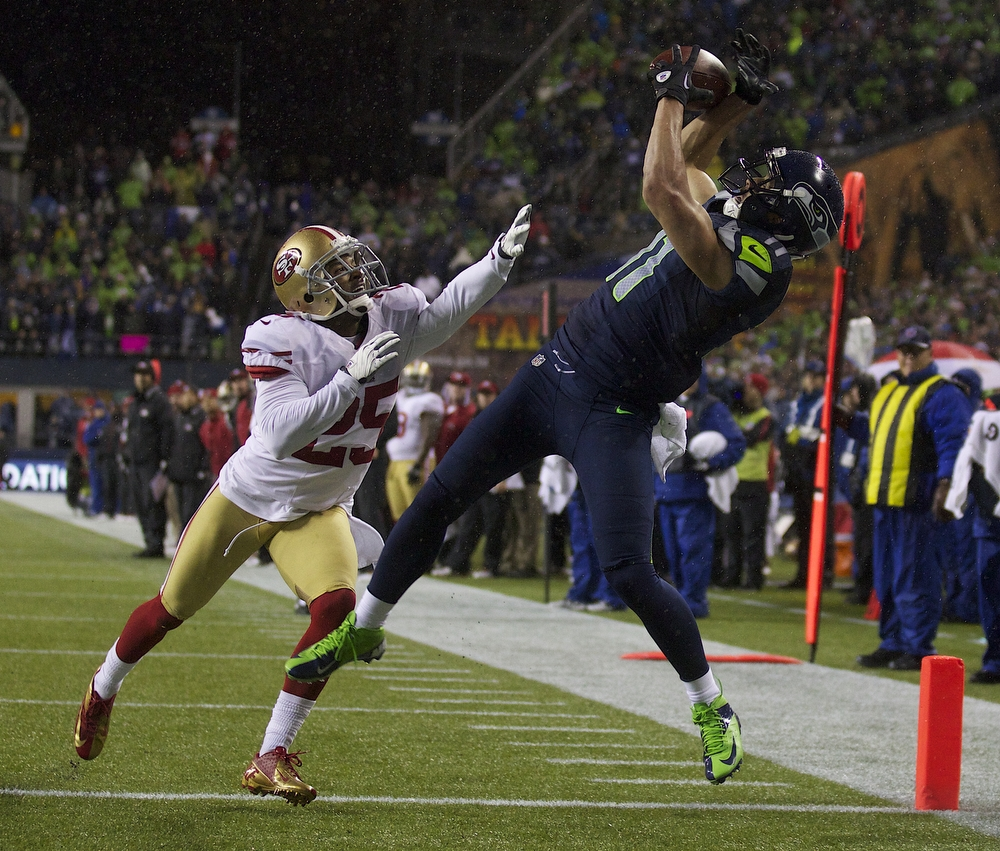 Jermaine Kearse vs the 40 whiners catching the ball.jpg