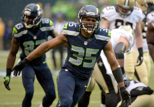 DeShawn Shead looking hot on the field.jpg
