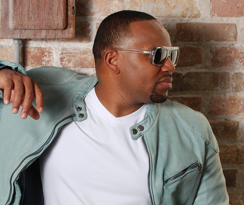 Avant looking hot as he looks to the right.jpg