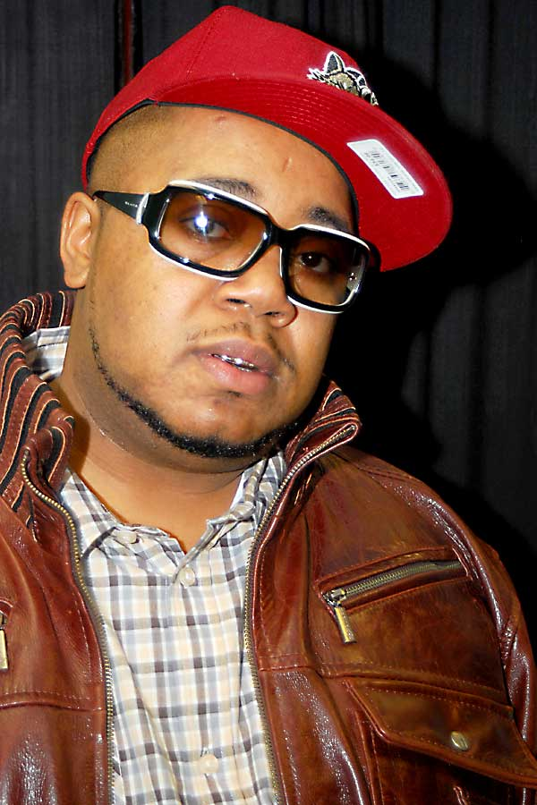 Twista looking hot with his grill and barcode on his hat.jpg