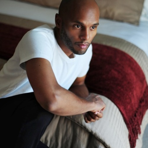 Kenny Lattimore looking gorgeous in a white tee.jpg