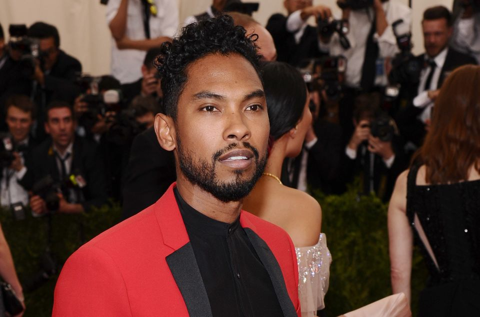 Miguel looking fucking stunning on the red carpet at the 2015 Met Gala benefit.jpg