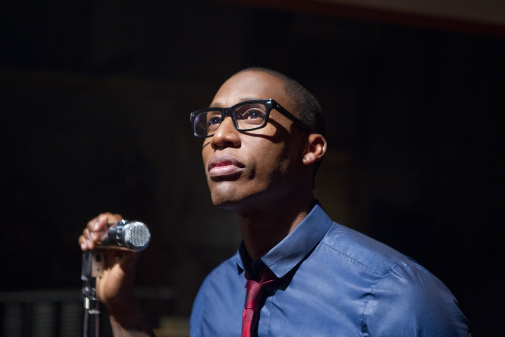 Raphael Saadiq looking hot on the stage.jpg