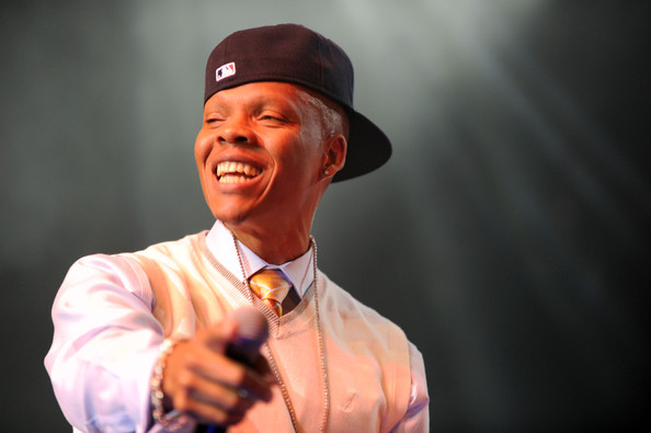 Ronnie DeVoe on stage.jpg