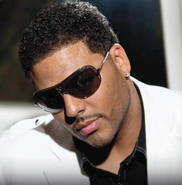 Al B Sure looking hot and incognito with sunglasses on.jpg