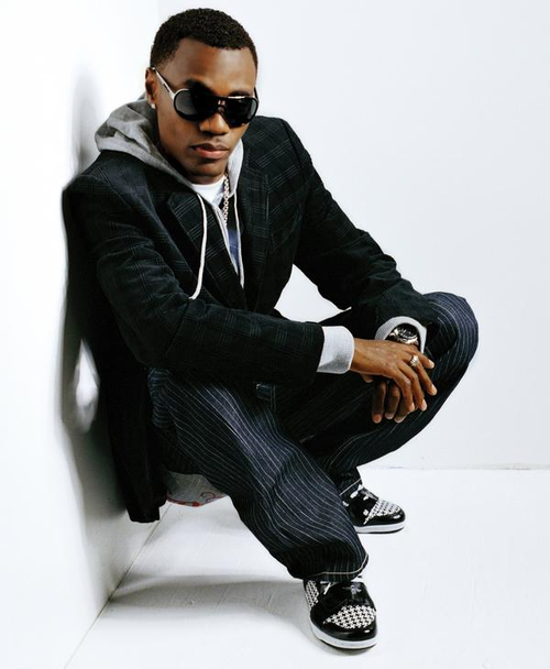 Wayne Wonder up against the wall looking gorgeous.jpg