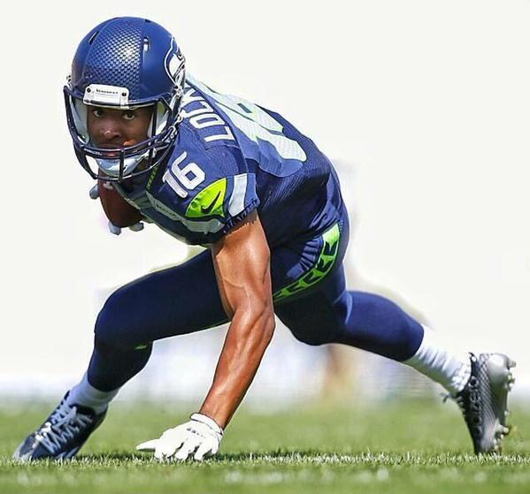 Tyler Lockett in position on the field looking gorgeous af.jpg