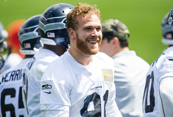 Cassius Marsh looking hot at practice.jpg